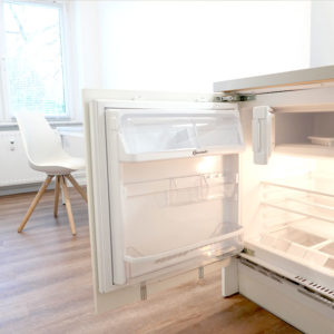 Studentenwohnung Hamburg Express Einrichtung mit Kühlschrank